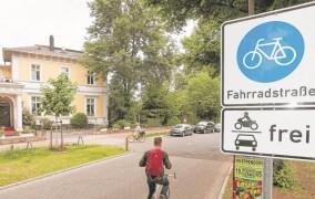 Γερμανία: Επιτρέπεται τα αυτοκίνητα να κινούνται στους ποδηλατοδρόμους; Δείτε τι ισχύει