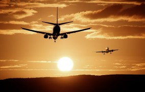 Pfingstferien στη Β.Ρηνανία Βεστφαλία - Αναμένονται πάνω από 700.000 επισκέπτες στο αεροδρόμιο του Ντίσελντορφ
