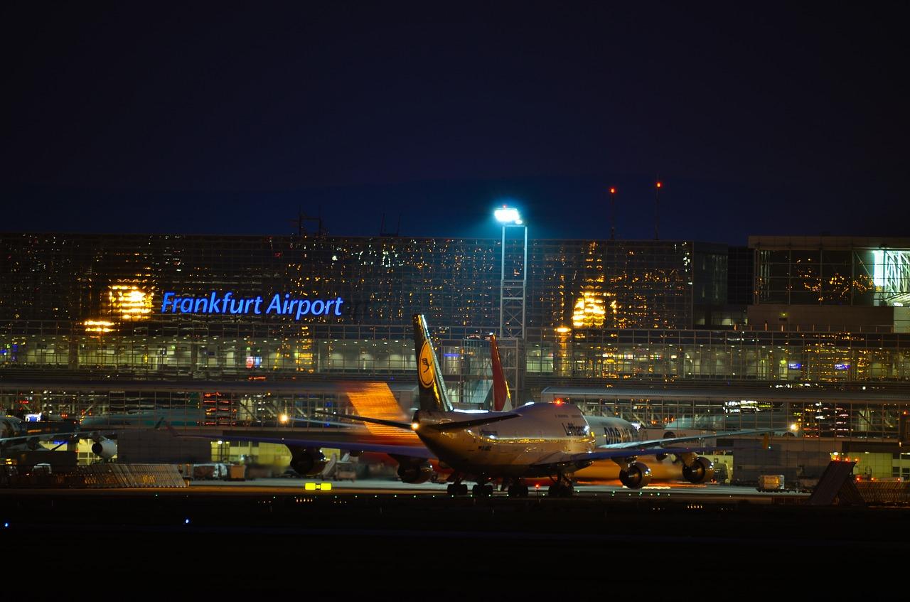 Σφοδρή κακοκαιρία χτύπησε τη Φρανκφούρτη - 100 πτήσεις ακυρώθηκαν στο μεγαλύτερο αεροδρόμιο της Γερμανίας