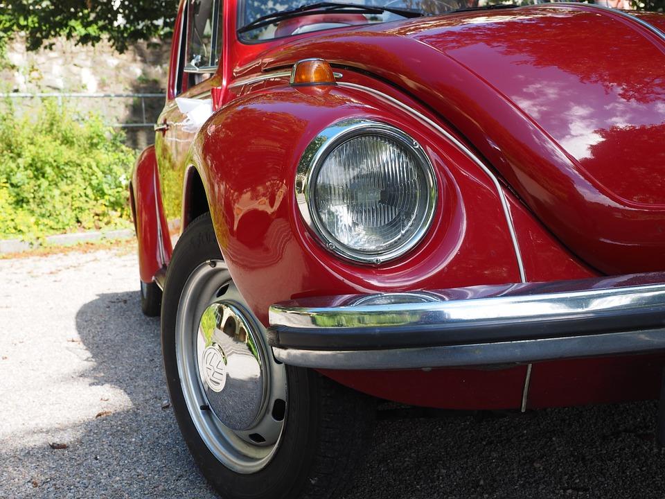 Οδήγηση στη Γερμανία: Πότε επιτρέπεται η χρήση του «σινιάλου»