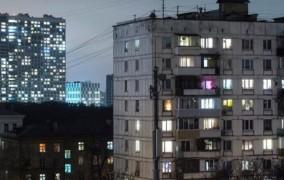 Μεθυσμένος βούτηξε από τον 9ο όροφο, έζησε και συνέχισε να πίνει! (pics)