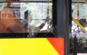 Θεσσαλονίκη: Λεωφορείο έμεινε εγκλωβισμένο για 10 ώρες εξαιτίας παράνομα παρκαρισμένου Ι.Χ.
