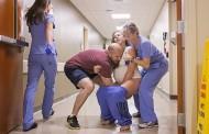 Φωτογραφίες: Έγκυος έφτασε πολύ αργά στο μαιευτήριο και... γέννησε στο διάδρομο