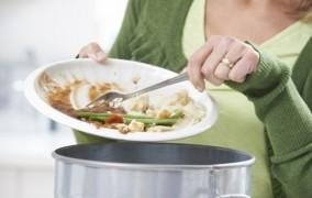 5 τρόποι για να μειώσεις τη σπατάλη φαγητού