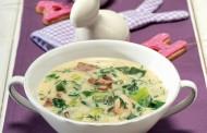 Παραδοσιακή μαγειρίτσα σούπα με αβγολέμονο