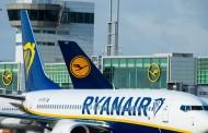 Η Ryanair διακόπτει τις εσωτερικές πτήσεις στην Ελλάδα - Διατηρεί μόνο πτήσεις για Μύκονο, Σαντορίνη και Θεσσαλονίκη