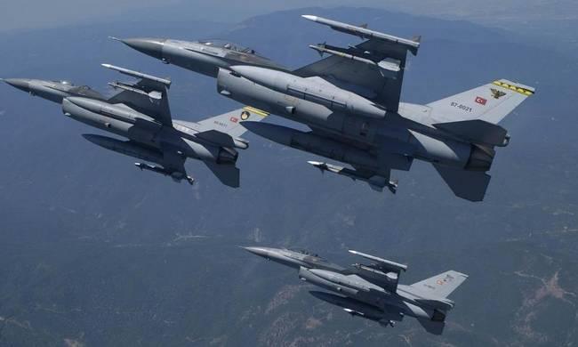 Ελλάδα: 32 παραβιάσεις του εθνικού εναερίου χώρου από τουρκικά κατασκοπευτικά