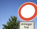 """Γερμανία: """"Anlieger frei"""" - Τι σημαίνει αυτή η πινακίδα; Πρόστιμο 75€"""