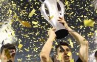 Η στέψη της πρωταθλήτριας ΑΕΚ μέσα στη Ριζούπολη [εικόνες]
