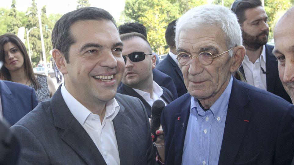 Τσίπρας: Mεγάλη... νίκη να κερδίσουμε έναν προσδιορισμό μπροστά από το όνομα Μακεδονία