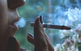 Γερμανία: Τσιγάρο, οδήγηση και τσουχτερά πρόστιμα