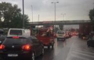 Έκλεισε η εθνική οδός Αθηνών-Κορίνθου - Εγκλωβισμένοι εκατοντάδες οδηγοί