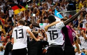 Γερμανία-Σουηδία 2-1: Και στο τέλος κερδίζουν οι Γερμανοί... ακόμα και με δέκα παίκτες!