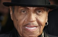 Έφυγε από τη ζωή στα 89 του χρόνια ο πατέρας του Μάικλ Τζάκσον