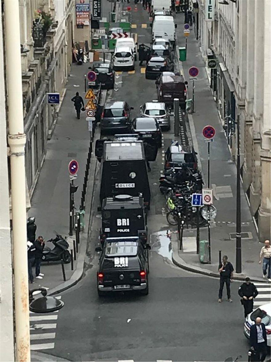 Συναγερμός στο Παρίσι: Ένοπλος άντρας κράτησε για 20 ώρες ομήρους δύο ανθρώπους