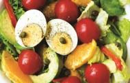 Σαλάτα με μαρούλι, αβγά και αβοκάντο