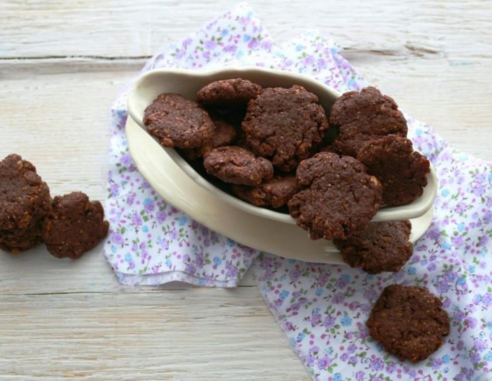 Πεντανόστιμα μπισκότα με κακάο χωρίς αυγά και βούτυρο