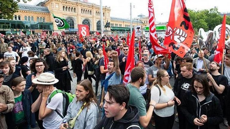 Γερμανία: Χιλιάδες διαδηλωτές στο Ανόβερο σε ένδειξη διαμαρτυρίας για τις διατάξεις αντιτρομοκρατικού νομοσχεδίου