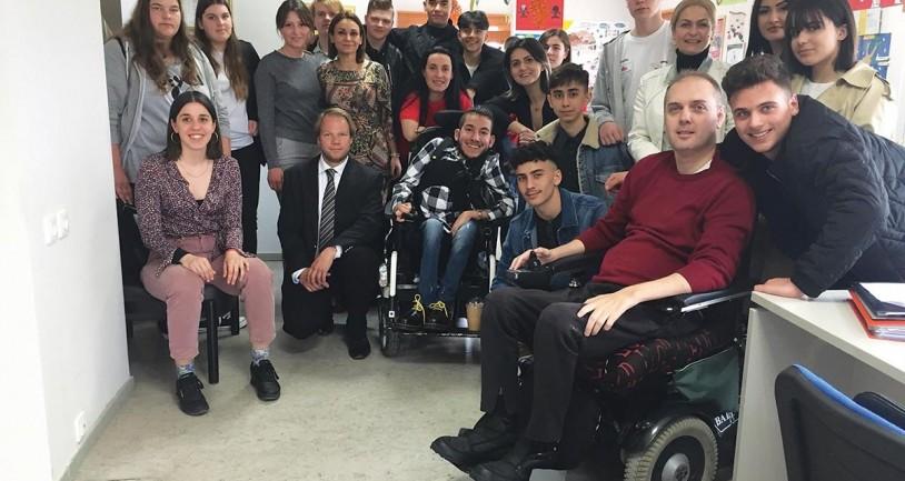 Γερμανία: Σχολείο του Ντόρτμουντ επισκέφτηκε το σύλλογο ΑμεΑ