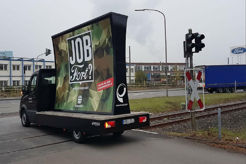 Γερμανία: Ο στρατός προκαλεί με τις καμπάνιες του τη Ford και τη Volkswagen