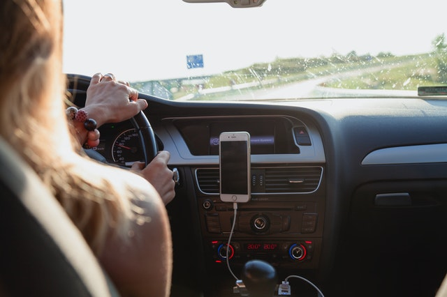 Γερμανία: Πρόστιμο εάν οδηγείτε με Μάσκα- Τι πρέπει να προσέξετε;