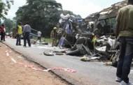 Πάνω από 30 Νεκροί λόγω Μετωπικής Λεωφορείου με Φορτηγό!