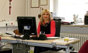 Η πιο στενή συνεργάτης και έμπιστη λογίστρια για τους Ελλήνες στη Γερμανία