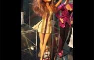 Η Έλενα Παπαρίζου έγινε κούκλα στο μουσείο των Abba (φωτό)
