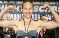 Η Ελληνίδα μποξέρ Κάλια Κουρούνη σε αγώνα με την πρωταθλήτρια Γερμανίδα Kühne