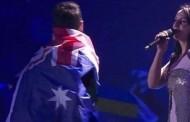 Κι όμως, ο άνδρας που έδειξε τα οπίσθιά του στη Eurovision είναι γνωστός!