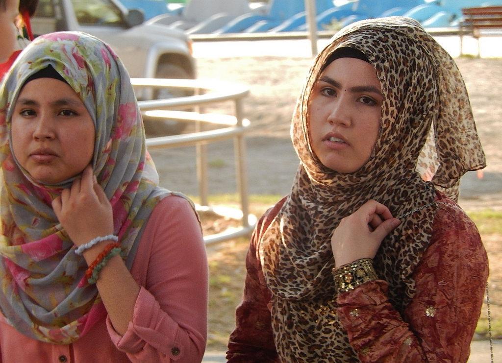 Πότε επιτρέπεται στις μουσουλμάνες γυναίκες να φορούν μαντίλες στη Γερμανία και πότε όχι;