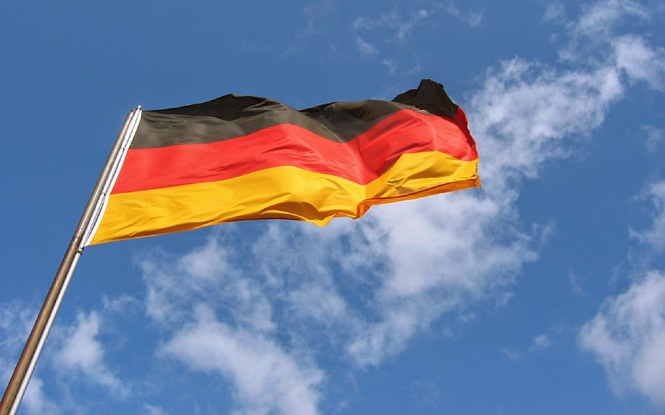 Η Γερμανία παραμένει ένα έθνος διαιρούμενο μεταξύ Ανατολής και Δύσης