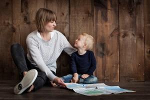 Γερμανία: Μεγαλώνετε μόνοι σας το παιδί σας; Δείτε τι σας παρέχει το κράτος