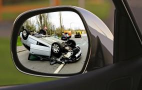 Γερμανία: Δανειστήκατε το αυτοκίνητο ενός φίλου σας; Ποιος πληρώνει εάν τρακάρετε;