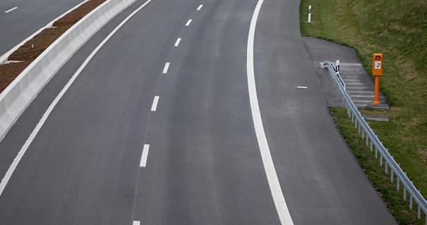 Γερμανία: Πότε μπορεί να χρησιμοποιηθεί η πλαϊνή βοηθητική λωρίδα στους αυτοκινητόδρομους;
