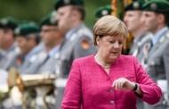 Le Monde: «Πρέπει να σώσουμε τη στρατιωτίνα Μέρκελ»