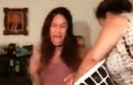 Βίντεο: Έκαναν twerking και τις... άρχισε η μητέρα τους στις «παντοφλιές»
