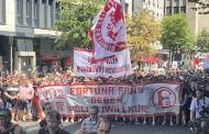 Ντίσελντορφ: Πλήθος κόσμου στη μεγάλη διαδήλωση ενάντια στο νέο αστυνομικό νόμο