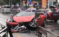 Γυναίκα καταστρέφει πανάκριβη Ferrari δευτερόλεπτα αφότου την νοίκιασε