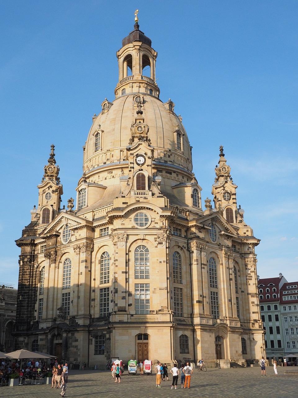 frauenkirche-2524166_1280