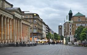 Στουτγκάρδη: Μειωμένοι οι Τζίροι στα μαγαζιά - Άδεια ακόμη και η Königsstraße